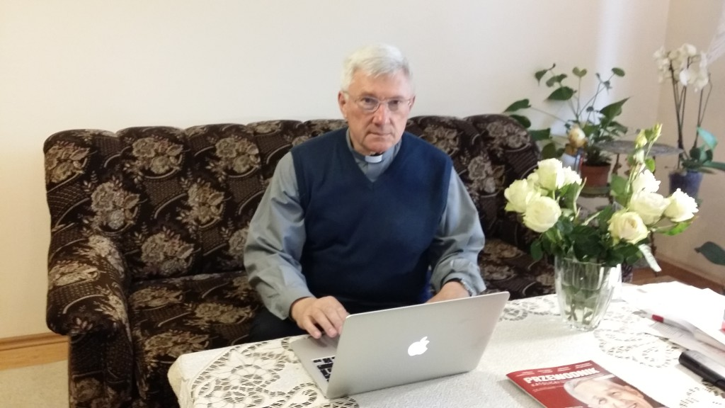 Ks. Proboszcz uruchamia nową stronę parafii.